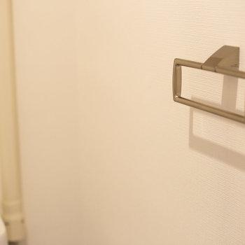 トイレの金具などもリニューアル。かっこいいですね。