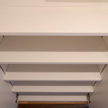靴箱は5段で高さ可変式!※写真は5階の同間取り別部屋のものです。