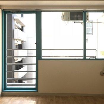 窓が大きめです※写真は6階の同間取り別部屋のものです