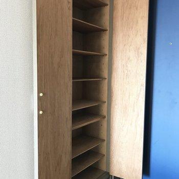 シューズBOX収納バッチリです☆※写真は9階の同間取り別部屋のものです
