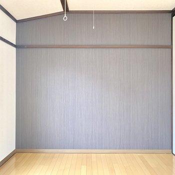 壁の色味がお部屋とマッチしています