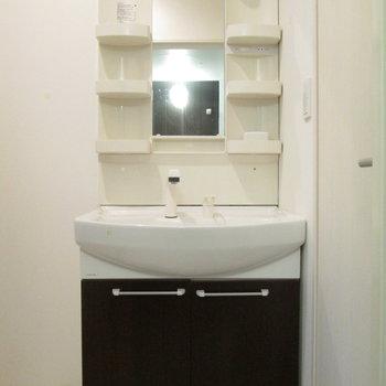 さらに、独立洗面台付きです。※写真は前回募集時のものです