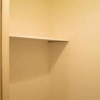 トイレ上には棚付き!※写真は前回募集時のものです
