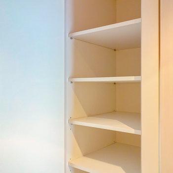 靴箱は天井の高さまで。