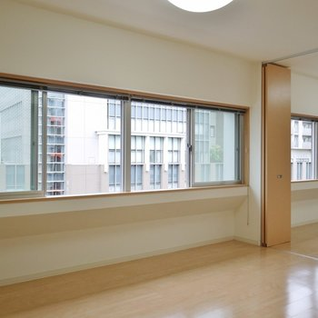 この窓の数♪。※写真は6階の同間取りのもの