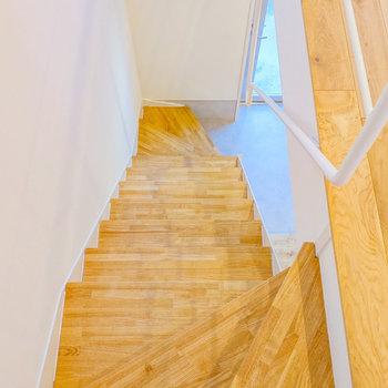 この階段を上がって来て・・・※写真は前回募集時のものです