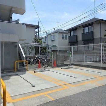 駐車場+駐輪場