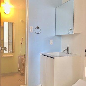 トイレと脱衣所は同じ空間に。