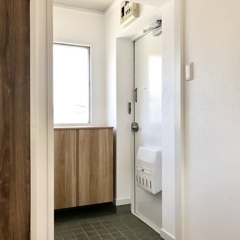 この白い扉がリノベの醍醐味。