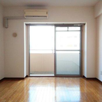 緑をたっぷり入れてあげたいリビング。※写真は2階の同間取り別部屋のものです