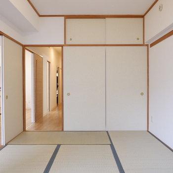 【和室】ダイニングにも廊下にも。来客時にも便利ですね。