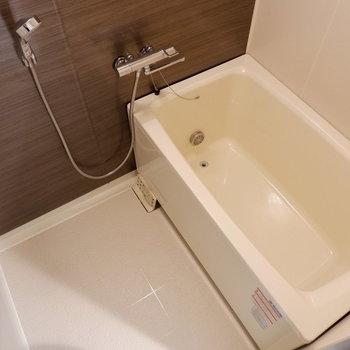 清潔感ある浴室は設備も充実です。