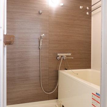 浴室もリノベーションされています。