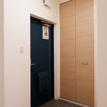 ゆったりとした玄関スペース。