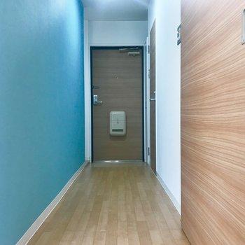 廊下はこんな雰囲気