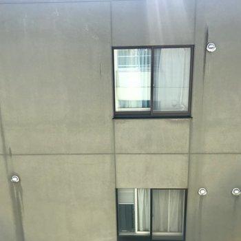 窓からの景色は・・・イマイチかな
