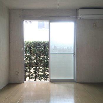 【1階洋室】寝室にぴったりな空間です!※写真は前回募集時のものです