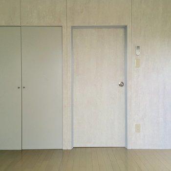 【1階洋室】今度は反対側から※写真は前回募集時のものです