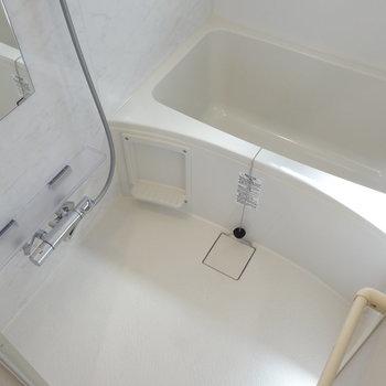 浴室乾燥機能も、追焚機能もついています。