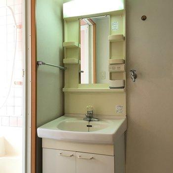 洗面台はシンプルコンパクトなもの!