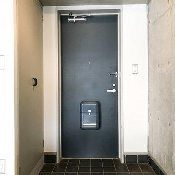 玄関横には大きめのシューズボックス! ※写真は前回募集時のものです
