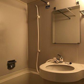 浴室乾燥機もあるので室内干しもできます。 ※写真は前回募集時のものです