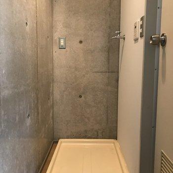 洗濯機置き場は室内にあります! ※写真は前回募集時のものです