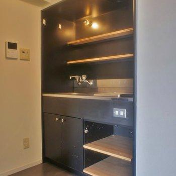 ロッジ風デザインのキッチン