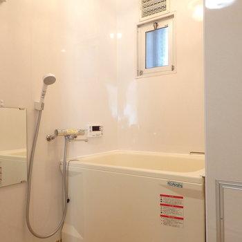 お風呂もキレイ※写真は同じ間取りの別部屋のものです。