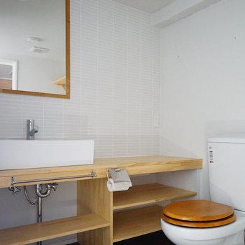 【イメージ】造作洗面台とトイレのサニタリーに生まれ変わります※トイレは木便座ではありません