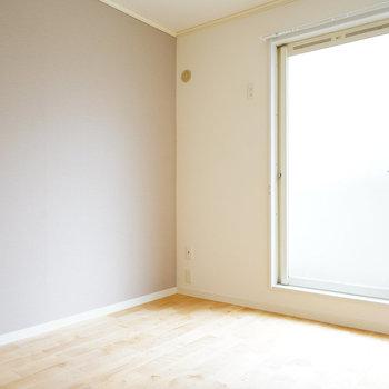 【イメージ】バーチの床はよりお部屋を明るくみせてくれます!※アクセントクロスはありません