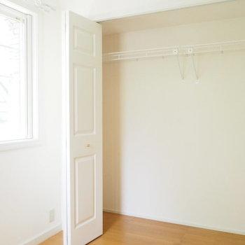 どんなにたくさんのお洋服だってお手の物。※写真は1階の反転間取り別部屋