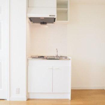 冷蔵庫置場もちゃんとあります。※写真は1階の反転間取り別部屋