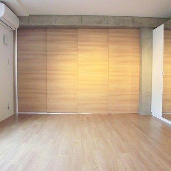 引き戸で仕切ればこんな感じ。※写真は3階の同間取り別部屋のものです。