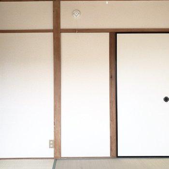 【和室】窓からの1枚。