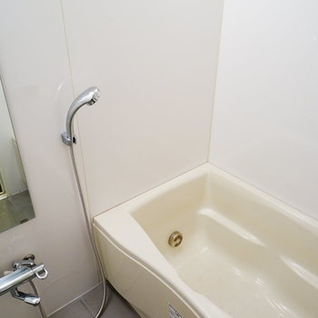 お風呂も機能性ばっちり!※写真は5階の同間取り別部屋のものです。