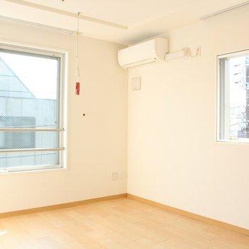 日当たりも良いです。※写真は4階の同間取り別部屋のものです。