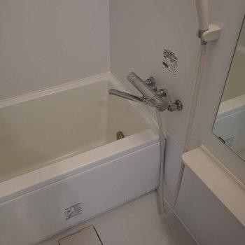 お風呂もゆったり良い気持ち♪※写真は5階の同間取り別部屋のものです。