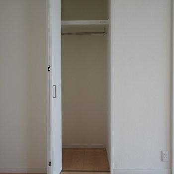 寝室にある収納です。※写真は5階の同間取り別部屋のものです。