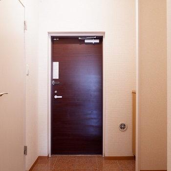 最後は玄関の設備を。