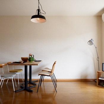 【LDK】柔らかな日差しが差し込みます。※家具はサンプルです