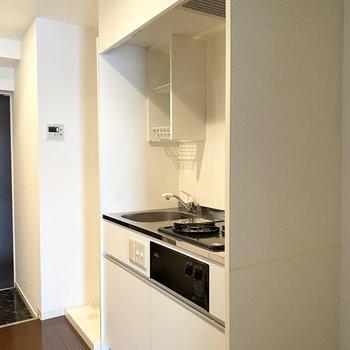 キッチンはシンプルで使いやすいですよ。