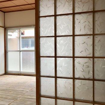 和室の引き戸には笹模様。渋い!!※写真は清掃前のものになります。