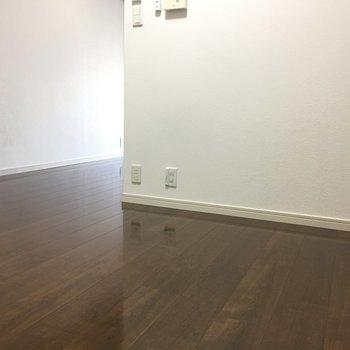 お部屋に入ってまず出て来るのはこのスペース。せっかくなら思い切ったホテルライクに。※写真は別室5階のものです。