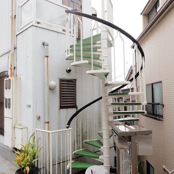 この螺旋階段が素敵なんです