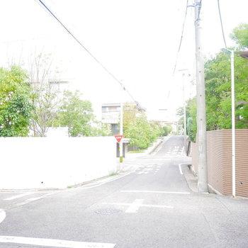 周辺の閑静な住宅街