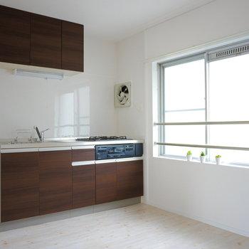 キッチンは北側にあってコンパクトなサイズ