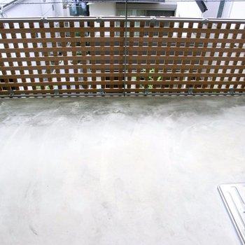 広めのバルコニー!※写真は2階の反転間取り別部屋です。