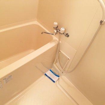 お風呂に鏡はありません