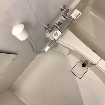 お風呂も鏡付きの新品!